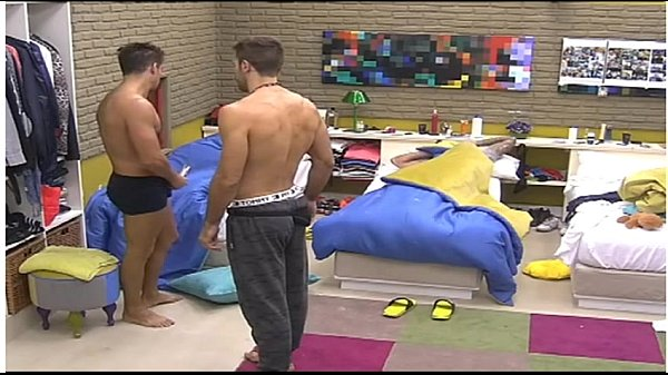 gran hermano francisco delgado al palo reality gay