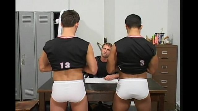 coach rimming his two athletes very delicious gay blonde