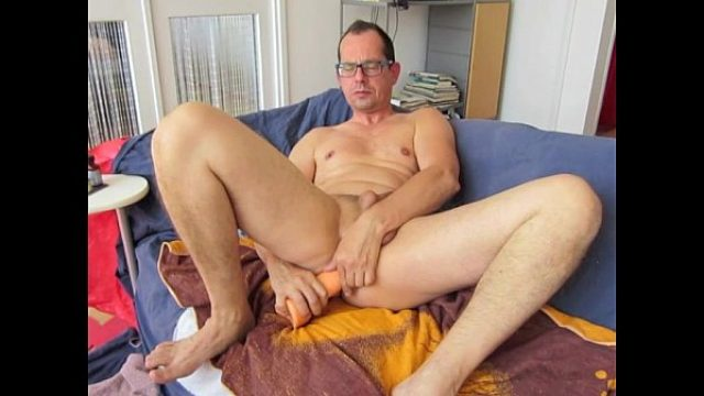 alroon super hot what a body super hot what gay masturbating